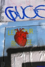 Let Your Heart Be Free - PHOENIX the street artist