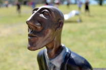 NZ Sculpture OnShore Nov 2012 (16) Graeme Hitchcock 'Man Looking'