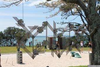 NZ Sculpture OnShore Nov 2012 (26) Linda Bruce 'Twinning Portal'